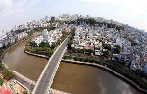 Phát triển đô thị TP Hồ Chí Minh: Vẫn khó di dời nhà ven kênh rạch