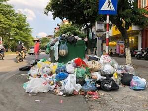 Chống rác thải nhựa: Ngớt tuyên truyền mạnh, túi nilon lại 'tràn' phố