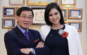 Doanh thu công ty của đại gia Johnathan Hạnh Nguyễn chỉ đủ cho vợ con vay nóng