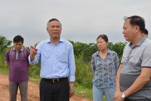 Thứ trưởng Bộ NN&PTNT kiểm tra gấp vụ xả lợn ra kênh hàng loạt ở Bắc Giang