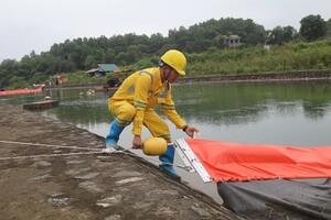 Liên tục xét nghiệm mẫu của Nhà máy nước Sông Đà để đảm bảo an toàn