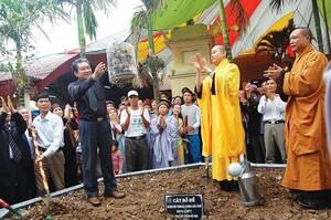 TƯ Hội Kinh tế Môi trường Việt Nam nhận cờ thi đua xuất sắc của Liên hiệp Hội