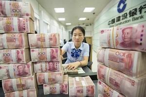 'Bơm' hàng tỉ USD có giúp các nước thoát suy thoái kinh tế vì Covid-19?